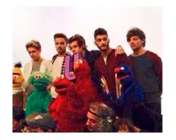 One Direction en Barrio Sésamo