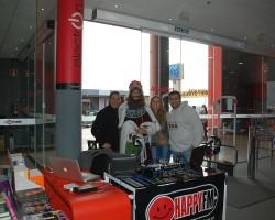 En la víspera d Reyes HappyFM en directo desde Tiendas Electrón