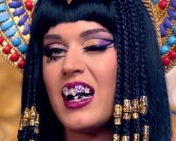 Katy Perry como 'Katy-Patra' en su nuevo videoclip