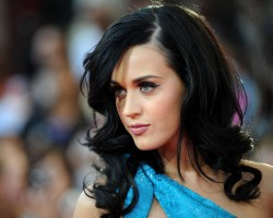 Katy Perry repite en el nº1 en singles en USA