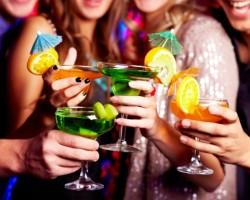 SEÑORA POR DIOS: No existen mujeres ni hombres feos, solo hace falta un buen trago