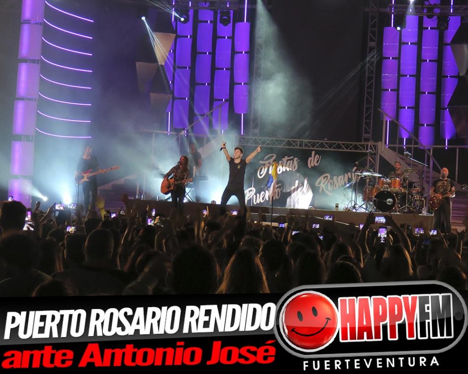 Puerto del Rosario se rinde a las canciones de Antonio José