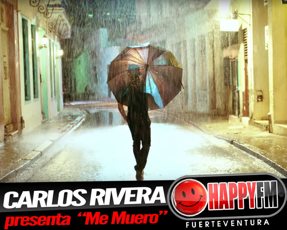 "Carlos Rivera cantando bajo la lluvia ""Me Muero"""