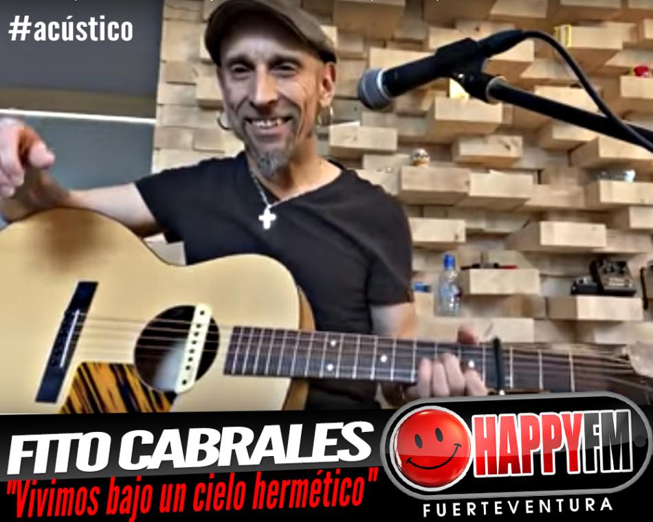 Fito Cabrales interpreta en acústico «Vivimos bajo un cielo hermético»