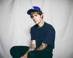 "JUSTIN BIEBER lanza nuevo single ""HOLY"" feat. CHANCE THE RAPPER"