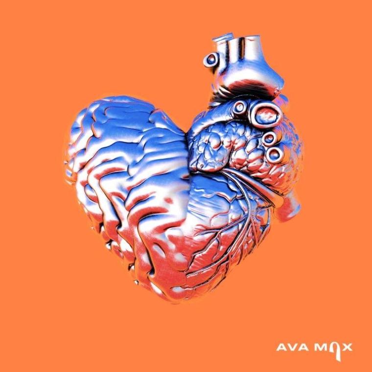 Ava Max estrena «My Head & My Heart»