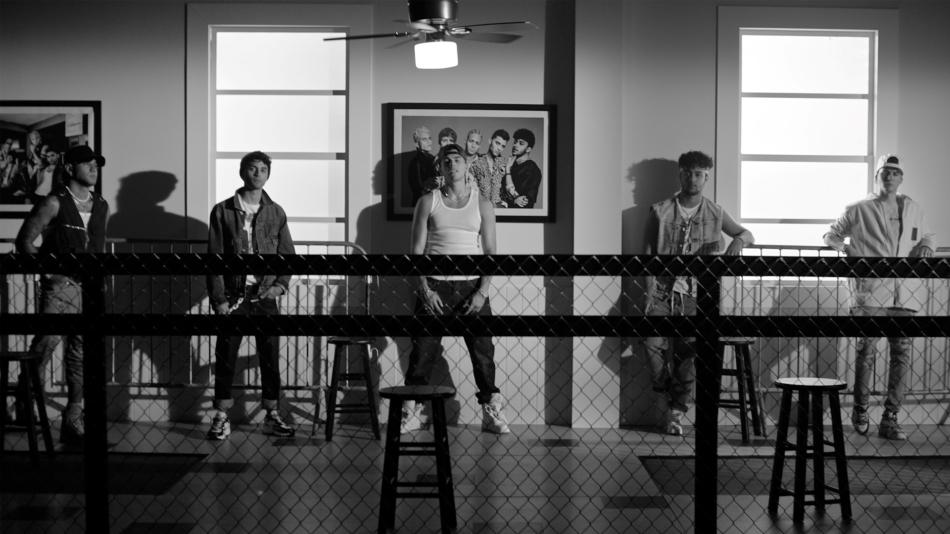 «Tan enamorados» es el single de presentación del nuevo disco de CNCO