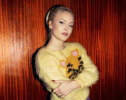 Zara Larsson publica el single «Talk About Love»