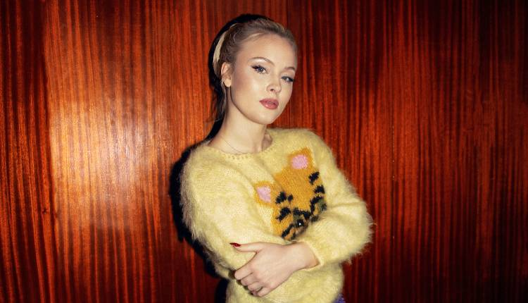 Zara Larsson publica el single «Talk About Love»