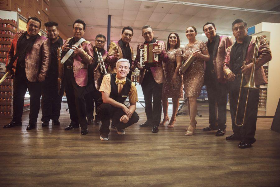 Guaynaa y Los Ángeles Azules fusionan sus ritmos en el tema «Cumbia a la gente»