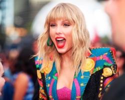 Taylor Swift y BTS lideran las listas de ventas estadounidenses esta semana.