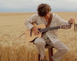 Guitarricadelafuente cambia de rumbo en el single 'Mil y una noches'