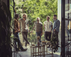 IZAL presenta el contenido de su quinto disco, 'Hogar'