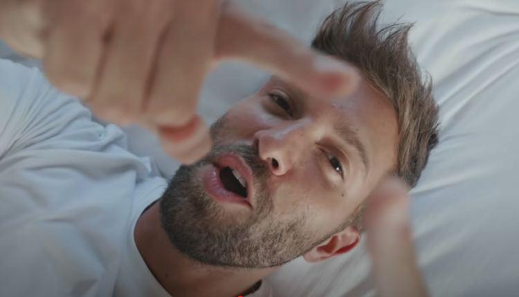 Pablo Alborán estrena el videoclip del tema 'No está en tus planes'
