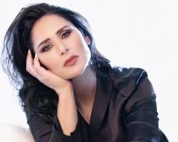 Rosa López se pasa al reggaetón en el single 'Hablemos de amor'