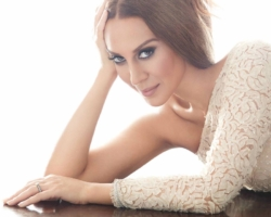 Mónica Naranjo anuncia el lanzamiento de 'Puro Minage' en directo