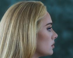 Adele presenta la portada de '30', su esperado cuarto álbum de estudio